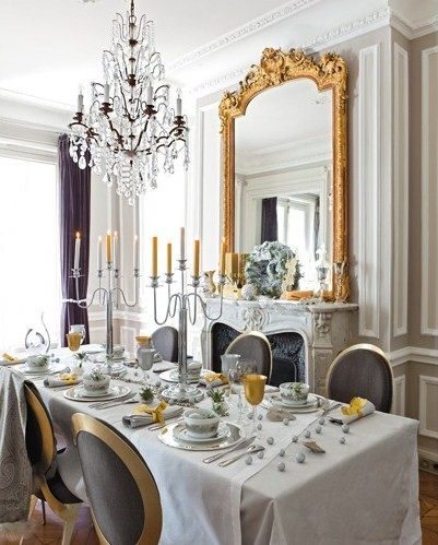 Christmas-decor-Paris-Apartment-Decorated-for-Christmas-home-interior-decorating-luxury-interiors (3)