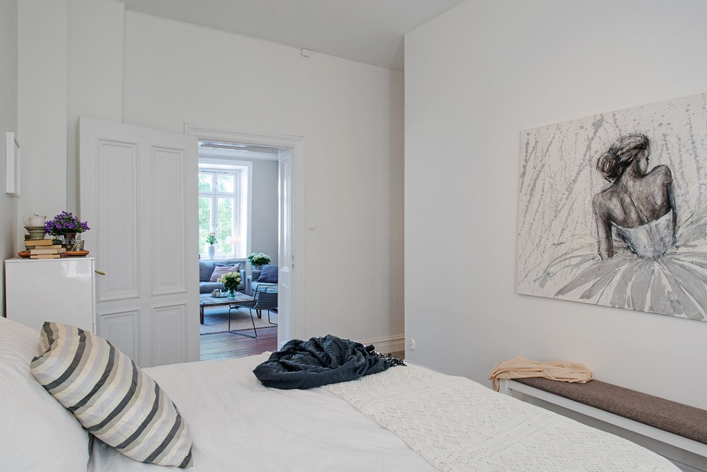 dormitorio blanco sencillo y elegante 02c