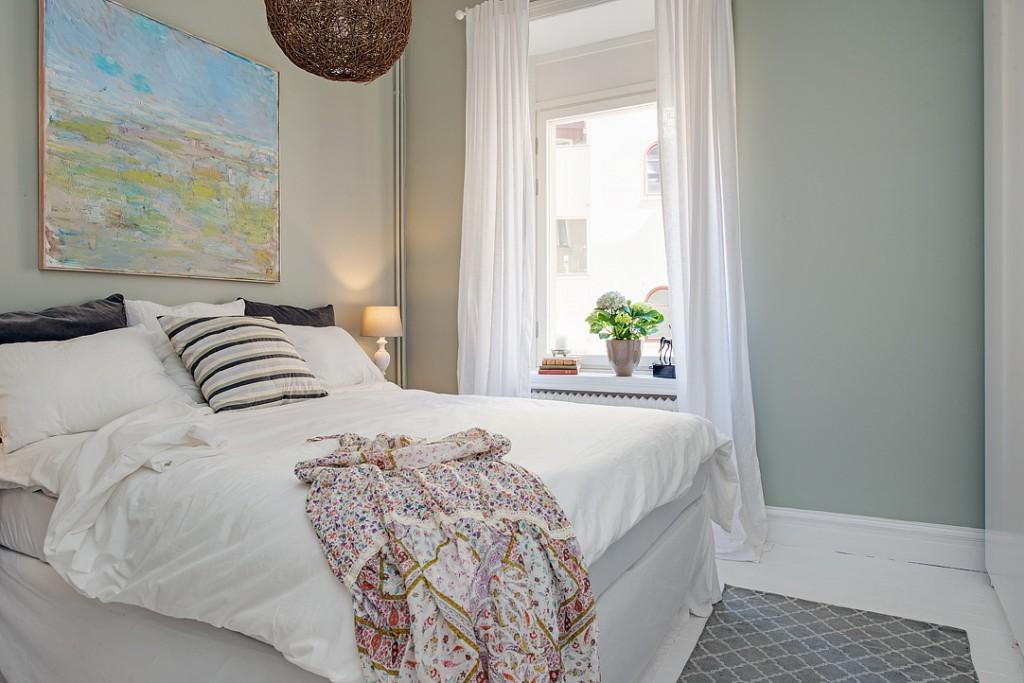 dormitorio blanco sencillo y elegante 03a