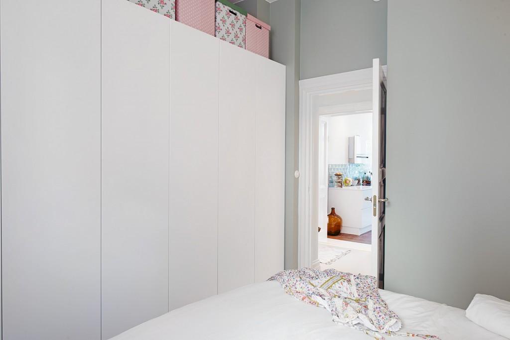 dormitorio blanco sencillo y elegante - armario 03
