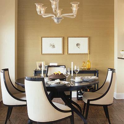 salon blanco y negro clasico con papel pintado dorado elegante decor pad
