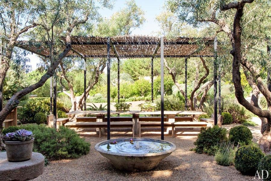 06.Casa de Patrick Dempsey-outdoor Dining area-OAD