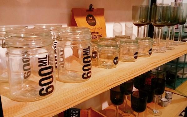 Botes cristal vasos y copas