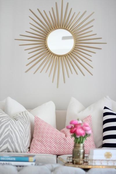 salon con espejo de sol caitlinwilson 2