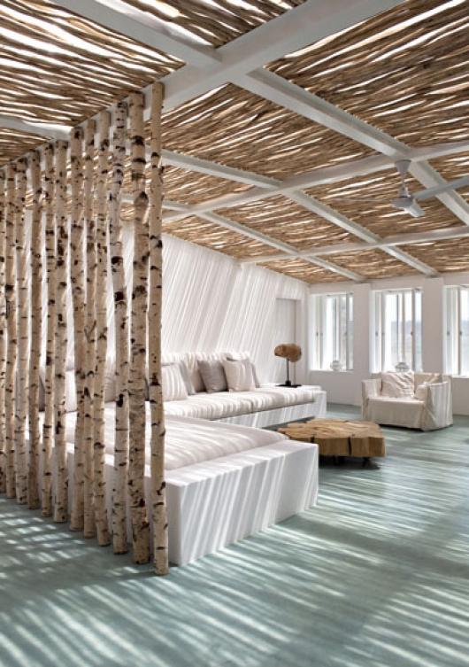 salon con madera natural - lascositasdebeabecheau