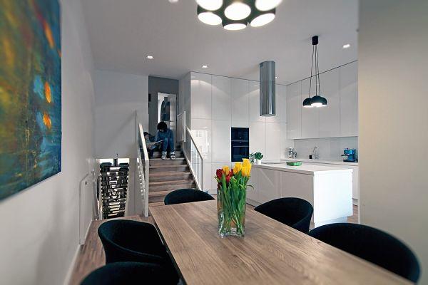 Apartamento moderno Polonia -Comedor_opt