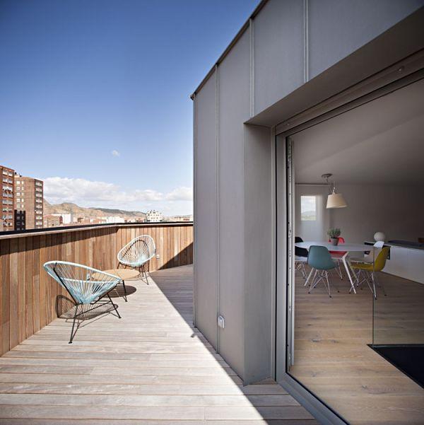 Duplex moderno - Terraza con sillas acapulco