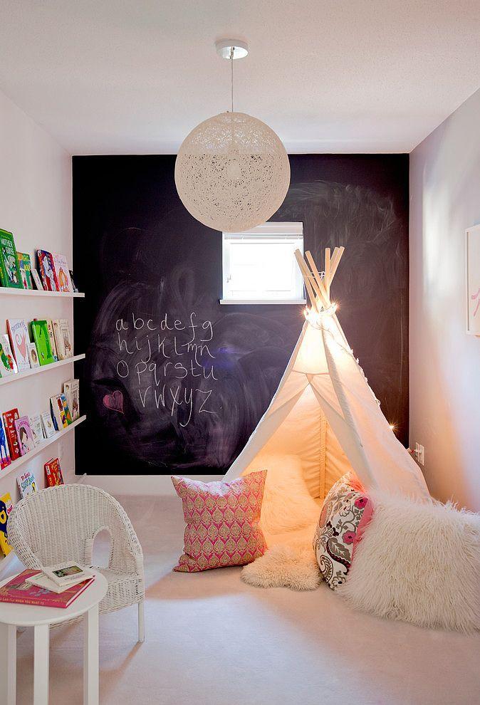 dibertido y colorido rincon para dormitorio infantil - homeadore