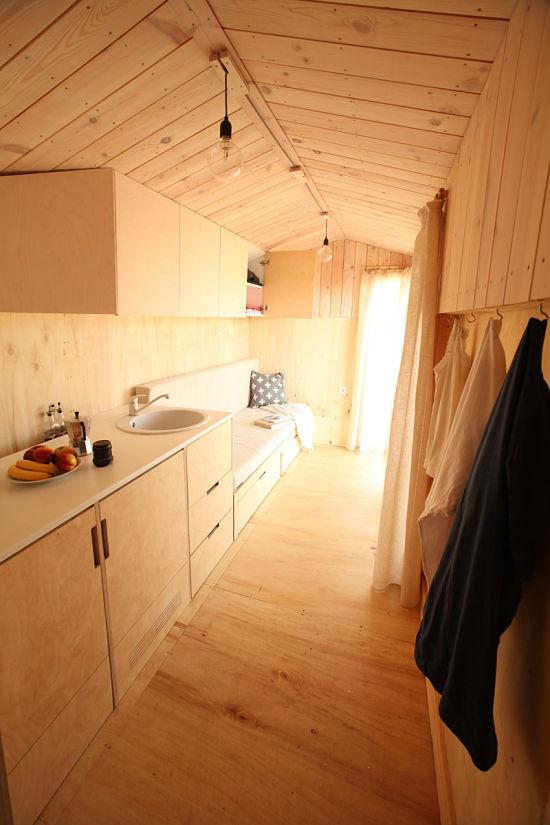 Con la casa a cuestas - caravana madera interior 03