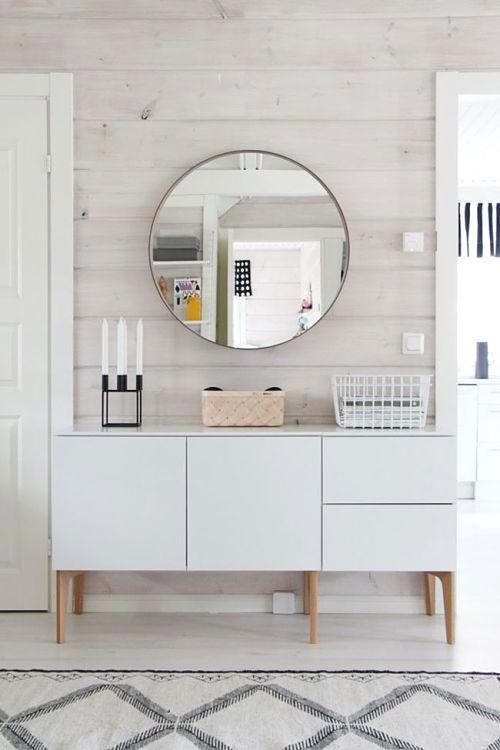 Espejos redondos de estilo escandinavo for Espejos redondos para salon