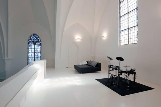 Iglesia o casa 05 - sala