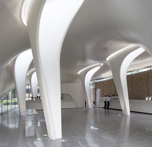 Serpentine Sackler Gallery - zaha hadid (foto Luke Hayes)_opt